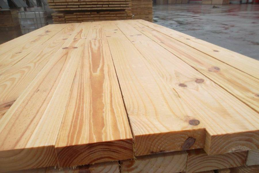 gỗ thông trắng xẻ sấy