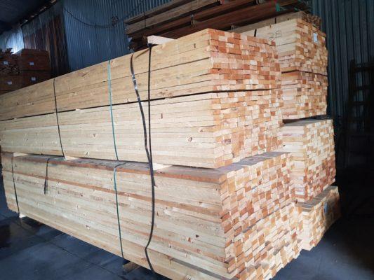 Đặc tính gỗ thông