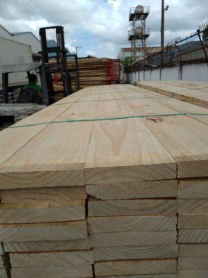 gỗ thông nhập khẩu Bình Dương