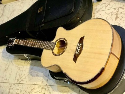 Maple Guitar