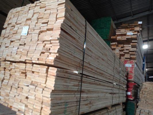 bán gỗ thông vàng Bình Dương